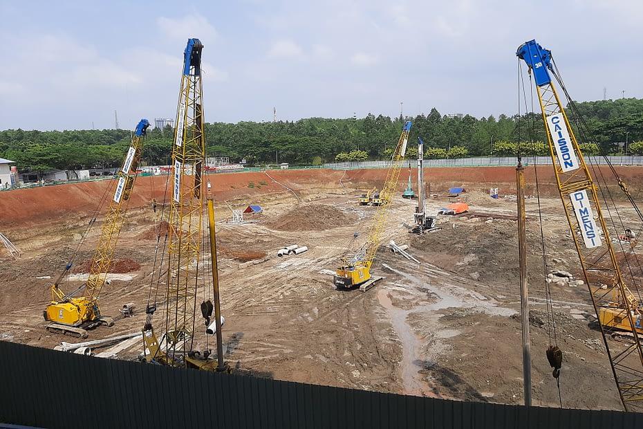 Kegiatan konstruksi di Kawasan Bintaro, Tangerang Selatan. LEBIHDALAM/Rendy A. Diningrat