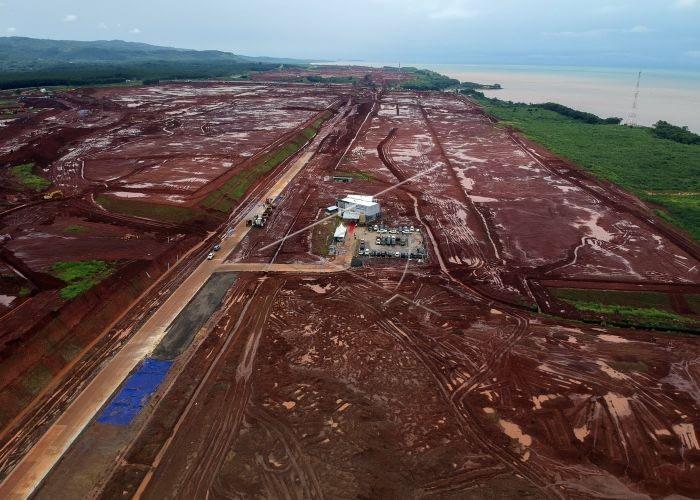 Aktivitas pembangunan Kawasan Industri Terpadu Batang (KITB) di Ketanggan, Kabupaten Batang, Jawa Tengah. ANTARA FOTO/Harviyan Perdana Putra.